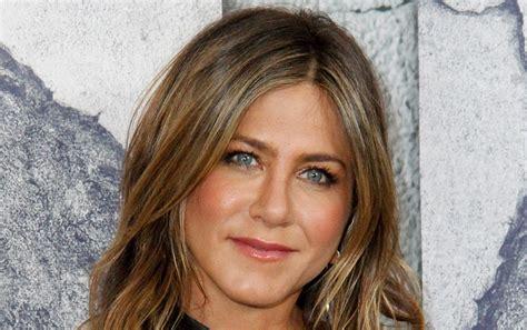 Jennifer Aniston Reveals What Would Happen if  Friends ...