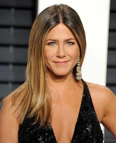 Jennifer Aniston s Plastic Surgery: See Her Nose Job ...