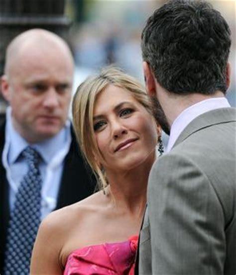Jennifer Aniston y Gerard Butler llevan su complicidad ...