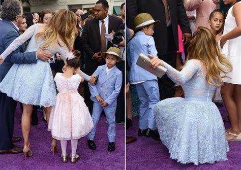 Jennifer Lopez acude con sus mellizos, Max y Emme, al ...