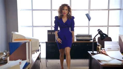 Jennifer Lopez - Ain't Your Mama | Critic Jonni