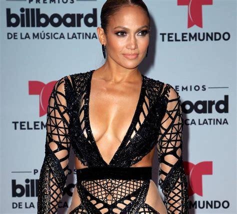 Jennifer Lopez arrasa en la alfombra de los Billboard ...