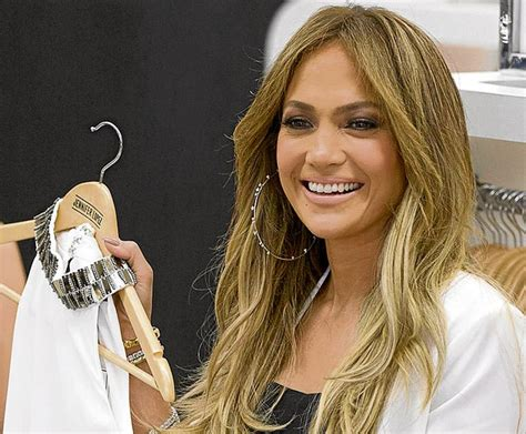 Jennifer López compra su ropa en tiendas que hacen ...