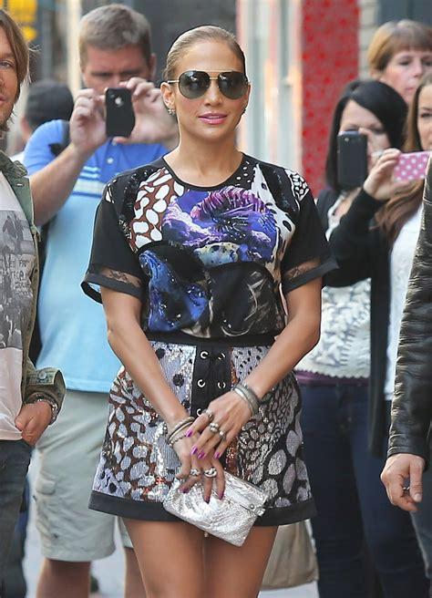 Jennifer Lopez muestra orgullosa sus piernas   Zeleb.mx