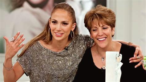 Jennifer Lopez se emocionó al hablar sobre su madre Lupe ...