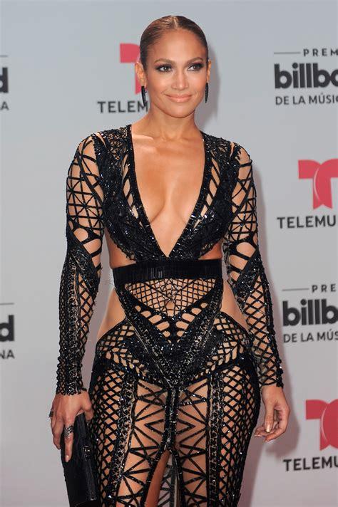 Jennifer Lopez sin ropa interior lo ensena casi todo ...