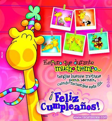 Jirafa Vera con fotos de recuerdos de cumpleaños © ZEA www ...