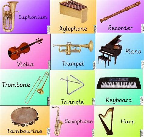 Juegos Musicales: 25 pósters gratis de instrumentos musicales.