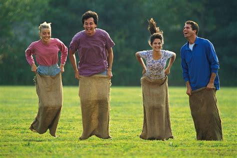 Juegos para adultos en un día de campo | Muy Fitness