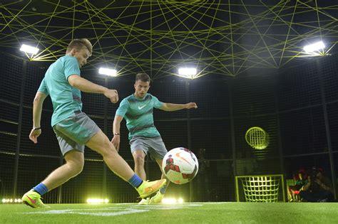 Jugar futbol de noche hd 2048x1365   imagenes   wallpapers ...