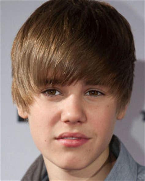 Justin Bieber writing memoirs ... at age 16 | Daily Star