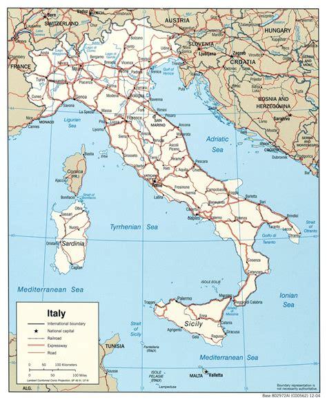 Kaart topografie Zuid-Europa: Italië en Rome - Vakantie ...