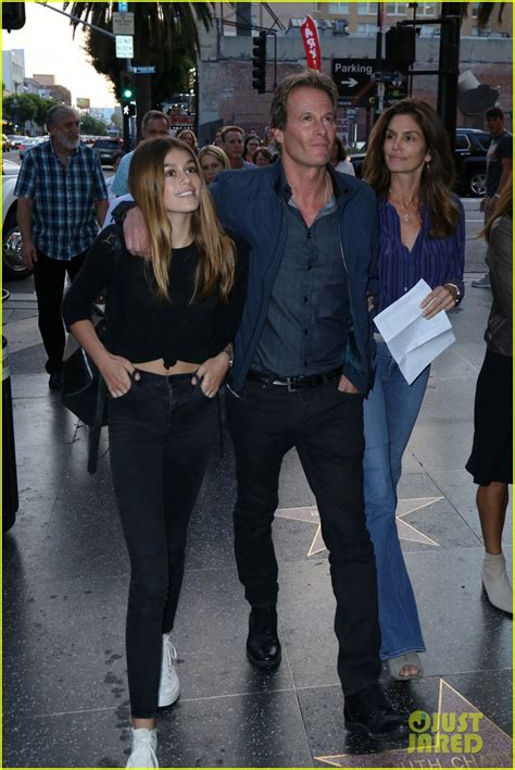 Kaia Gerber Looks Just Like Her Mom Cindy Crawford in ...