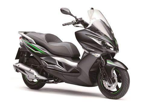 Kawasaki J125 : un scooter 125, enfin