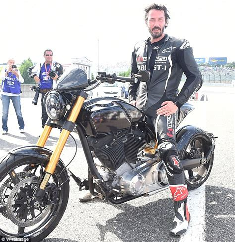 Keanu Reeves test drives KRGT 1 motorcycle on the Japanese ...