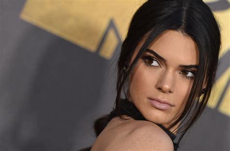 Kendall Jenner mocks her sister Kylie on Instagram with ...