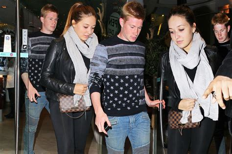 Kevin De Bruyne takes his girlfriend for dinner   Mirror ...