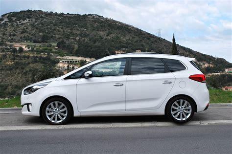 Kia Carens 2013: más estilizado y deportivo. | Lista de Carros