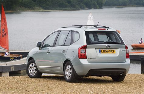 Kia Carens Estate Review (2006 - 2011) | Parkers