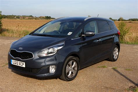 Kia Carens Estate Review (2013 - ) | Parkers
