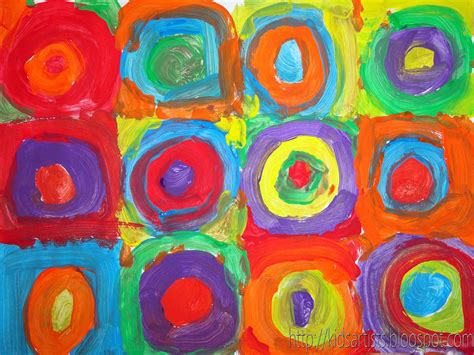 Kids Artists: Concentric circles in the style of Kandinsky