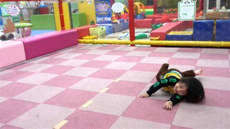 kids rolling on the floor - YouTube