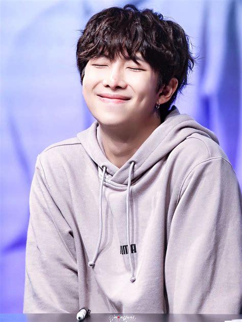 kim namjoon  RM  bts puma fansign 2018 black curly hair ...