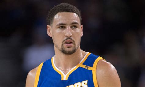 Klay Thompson pauses interview to take refreshing swig of ...