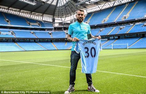 kmhouseindia: Argentine defender Nicolas Otamendi Joins ...
