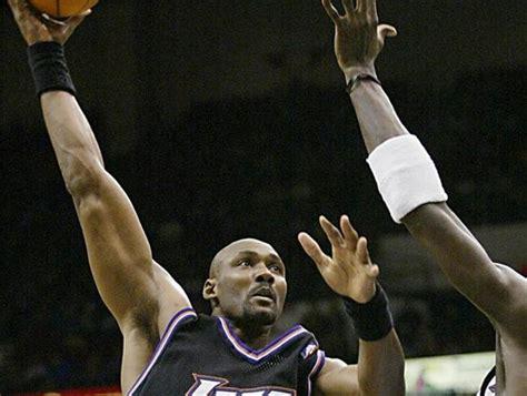 Kobe Bryant ya es el quinto máximo anotador de la historia