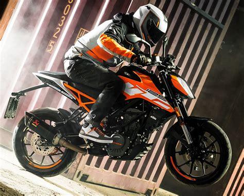 KTM 125 DUKE 2018 - Fiche moto - MOTOPLANETE