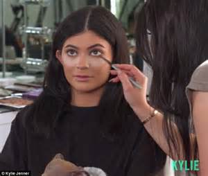 Kylie Jenner reveals how she contours her EARS using $500 ...