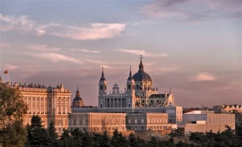 La Almudena: planes castizos en Madrid - Billete 996
