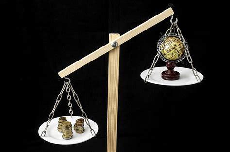 La balanza comercial española: en busca del equilibrio - EAE