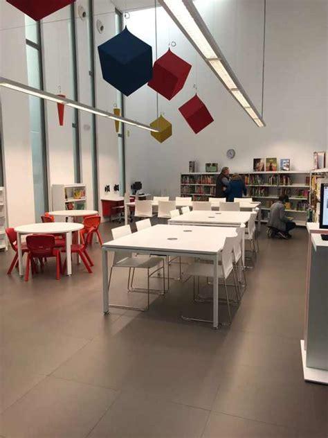 La biblioteca Gloria Fuertes de Rivas abre al público ...