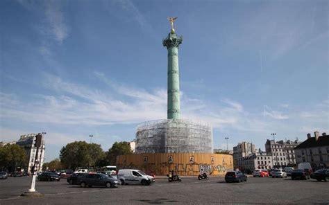 La colonne de la Bastille en travaux avant son ouverture ...