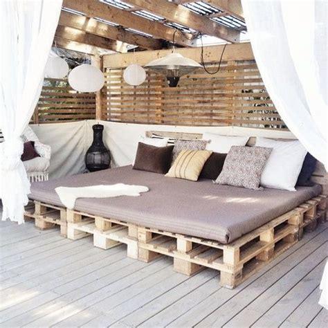 La decoración con muebles hechos con Palets ¡Sigue de moda!