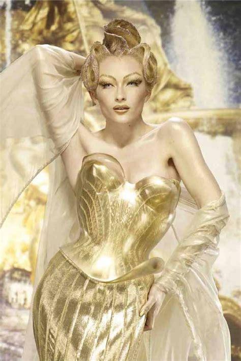 La diosa del sol.   LOFF.IT