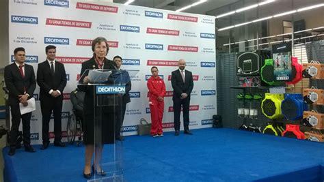 La Embajadora inaugura el tercer almacén Decathlon ...
