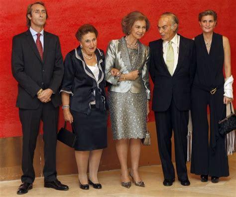 La familia Zurita, unos borbones diferentes   loc   EL MUNDO