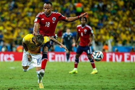 La FIFA analiza la falta a Neymar, habrá sanción?   Taringa!