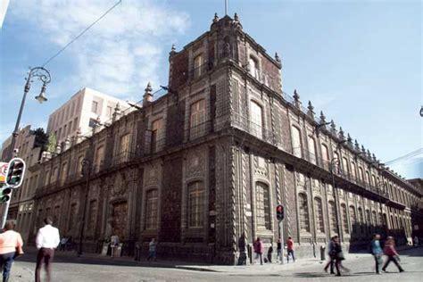 La historia del Banco Nacional de México, casona de condes ...