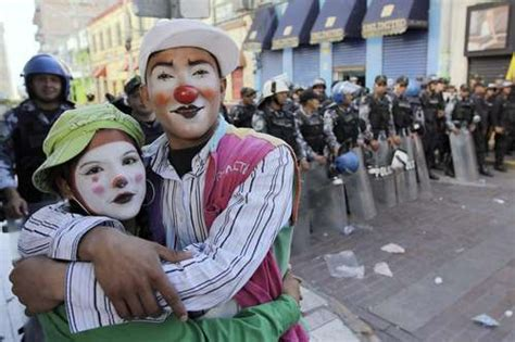La Jornada: Opus Dei, determinante en el golpe: ministro ...