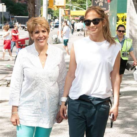 La madre de Jennifer Lopez se sabe todas las coreografías ...
