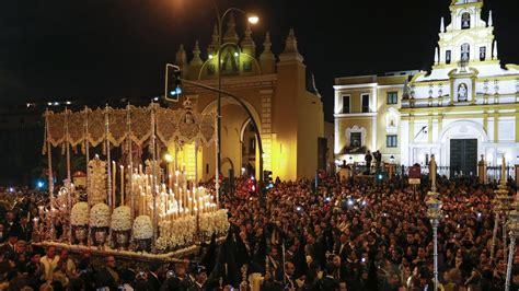 La Madrugada de Sevilla y otros momentos del Viernes Santo ...