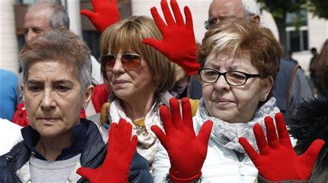 La mayoría de los partidos de Navarra denuncian la ...