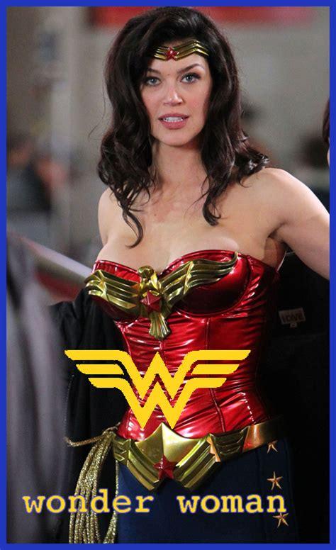 La Mujer Maravilla: Piloto  2011    Identi