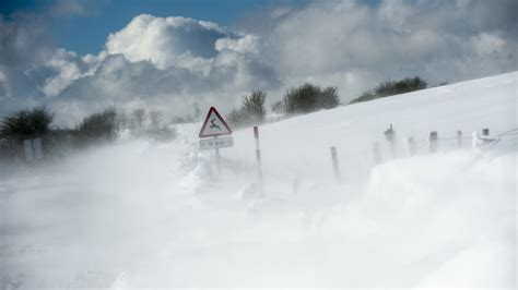 La nieve llega a España a un mes de que acabe el invierno