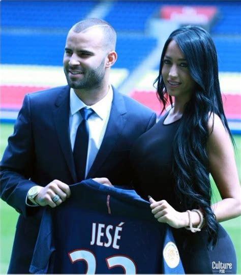 La novia de Jesé, ex de MYHYV, ya enamora a la afición del PSG
