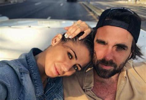 La pareja ha compartido la noticia en sus redes sociales ...
